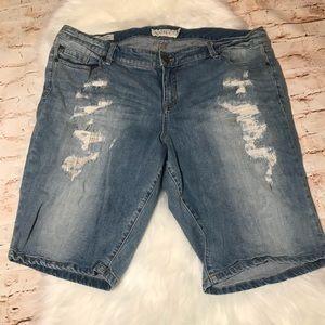 Torrid boyfriend swear by fit shorts